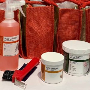 gift bag, jute bag, Red Horse, sole cleanse, honeyheel, field paste, disinfectant, barrier cream, wounds, soles, frogs, mud fever, winter care kit, Red Horse Winter Care Kit