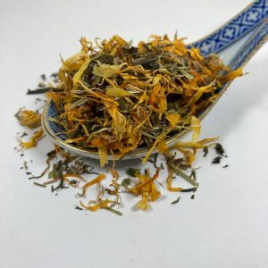 cleavers, clivers, marigold, calendula, horses, herbs, lymphatic system, fluid retention, structural system, coat, skin, joints, blood cleansing, immune system, filled legs, box rest, herbs